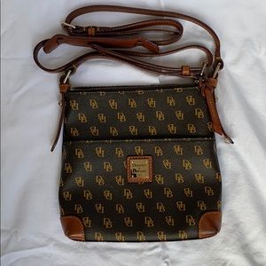 Authentic Dooney & Bourke leather crossbody purse.